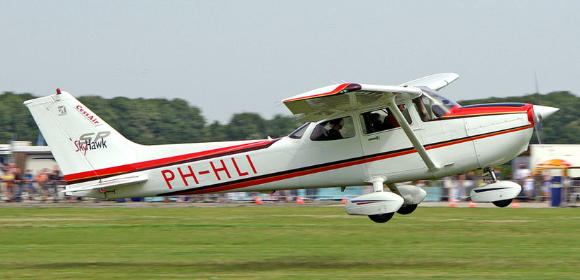 PH-HLI-Cessna-Skyhawk-SP